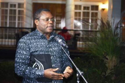 Senate Speaker Lusaka hosts western Kenya MCAs to lavish dinner, asks them to fight for sugar sector