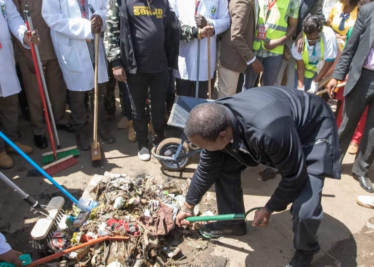 Sonko, kaa kando: Uhuru aanza rasmi kazi ya kuusafisha mji wa Nairobi