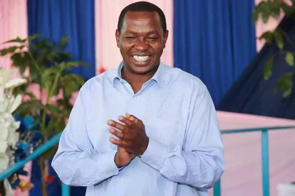 Laikipia governor apologises for snatching microphone from school children who criticised him
