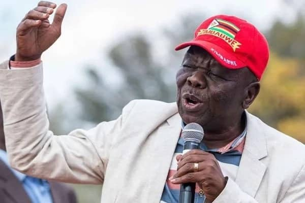 Maelfu wajimwaya katika uwanja wa ndege kuilaki mwili wa marehemu Morgan Tsvangarai