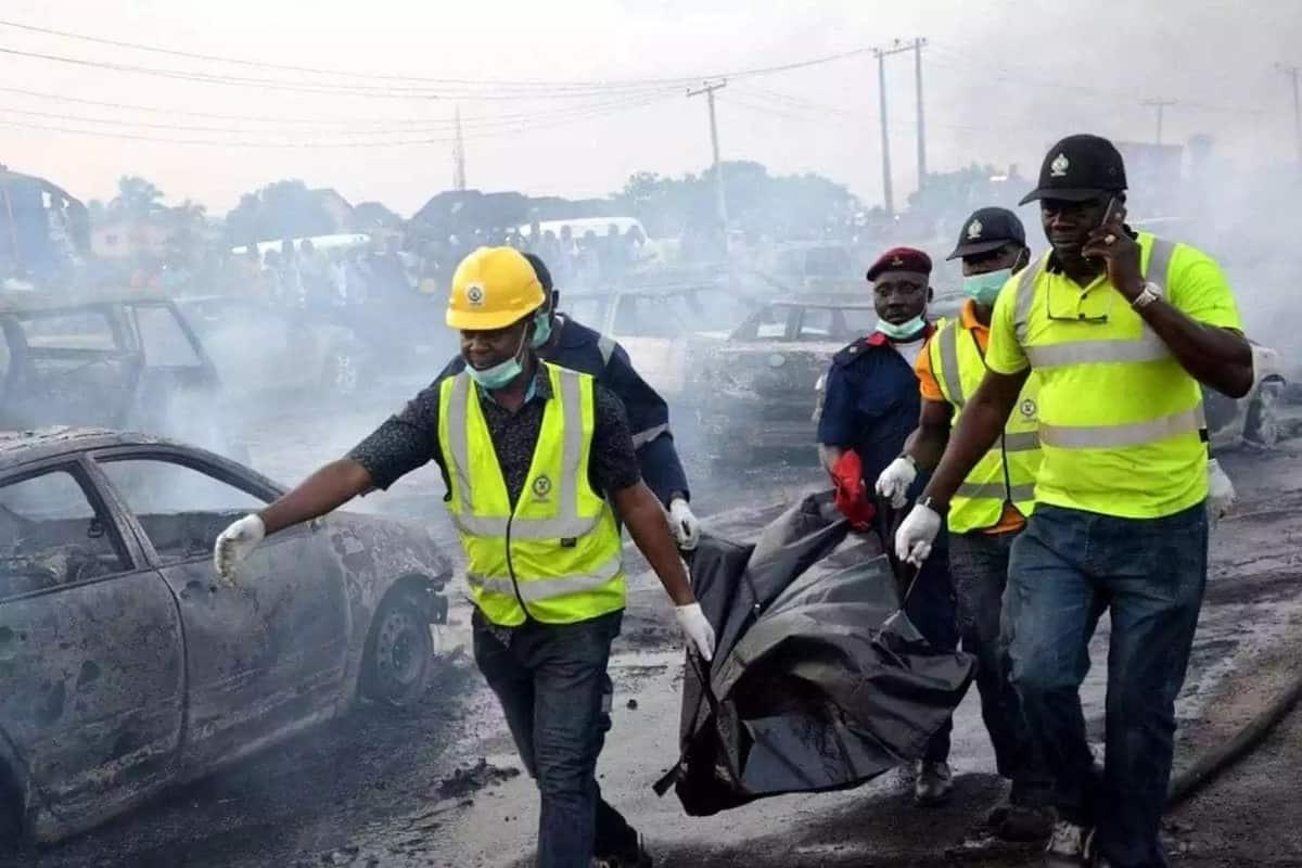 9 dead, 54 cars set a blaze after oil tanker exploded in Nigeria