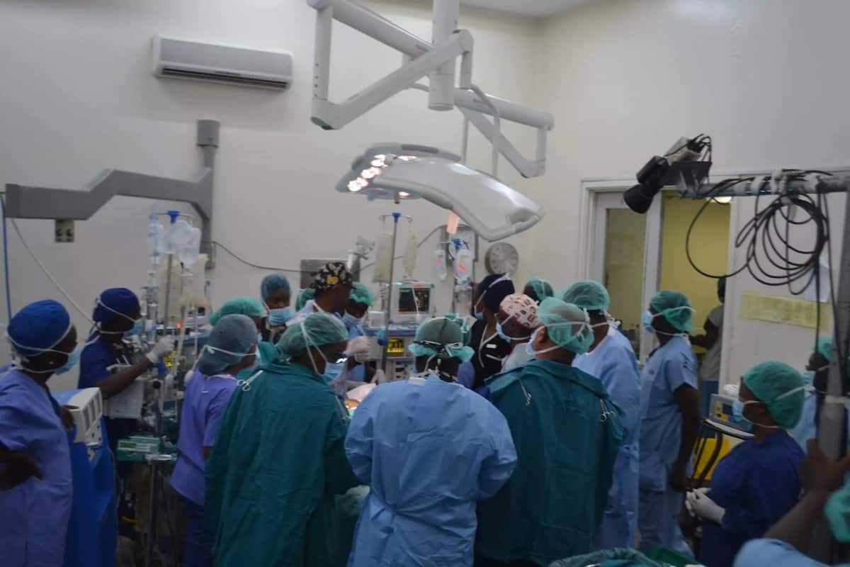 Doctors jump to the defense of colleague who operated wrong patient at Kenyatta National Hospital