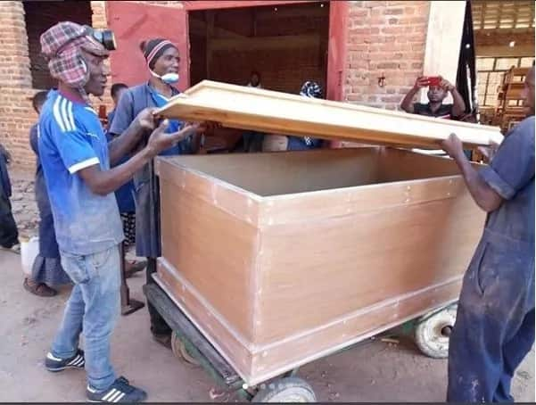 Conjoined Tanzanian twins to be buried in special coffin and TUKO.co.ke has all the details