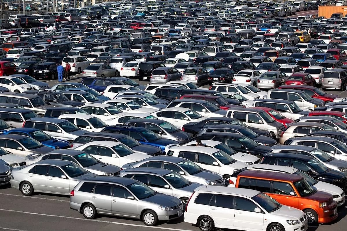 How much does it cost to import a car from Japan to Kenya