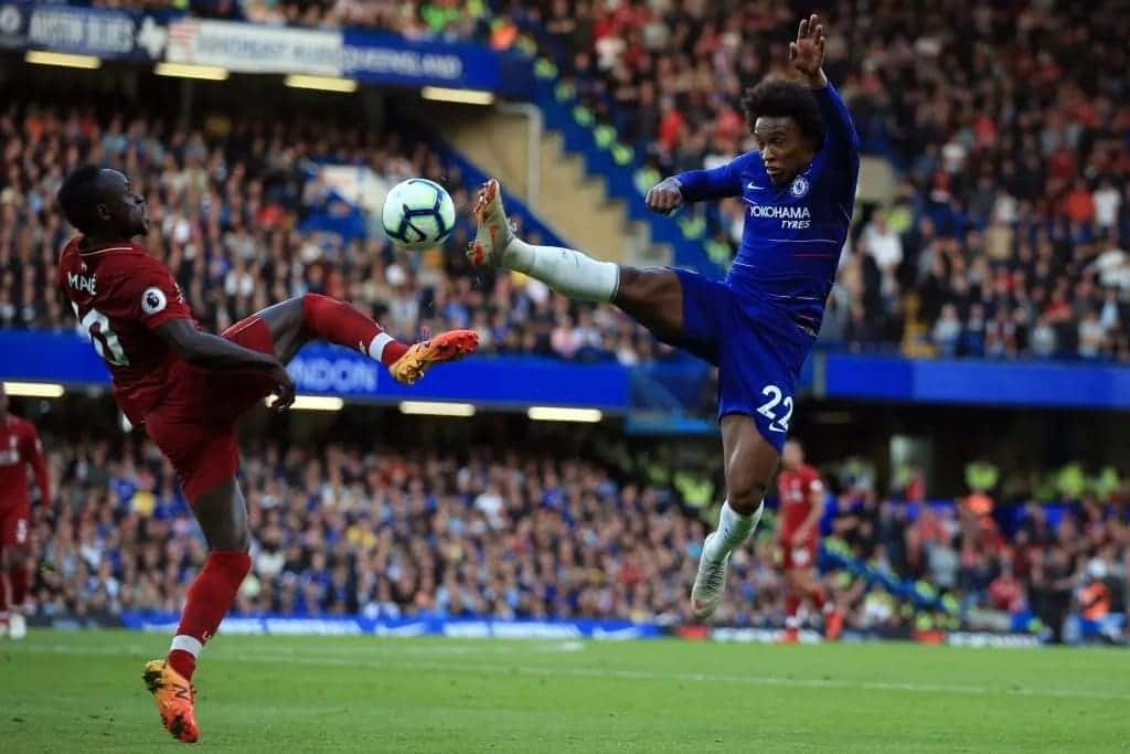 Sturridge's late strike forces Chelsea to 1-1 draw at Stamford Bridge against Reds