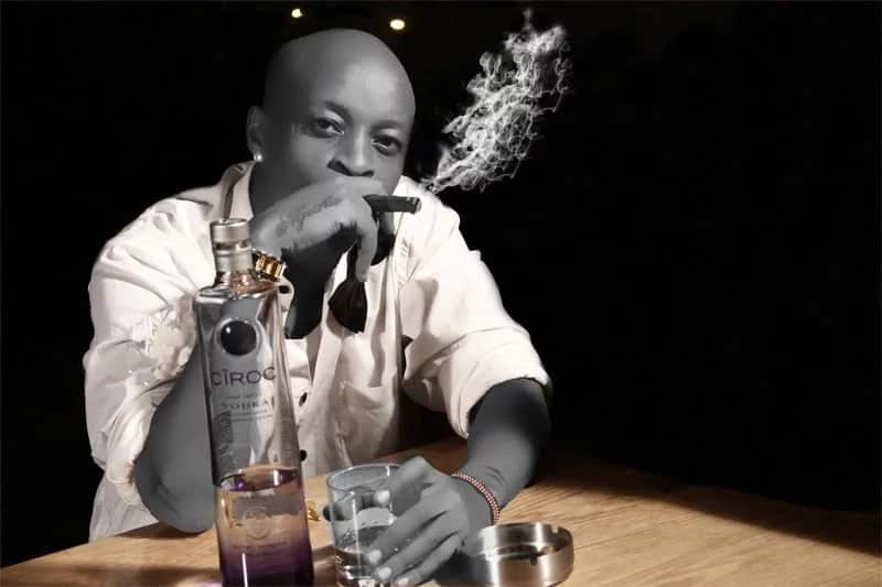Noti Flow proves she is back with bad boy Prezzo after sharing raunchy bedroom photos