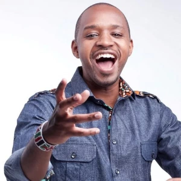 How old is Boniface mwangi