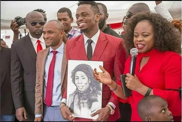 Kenyan artiste conned after drawing creative portrait of Diamond Platnumz's mother