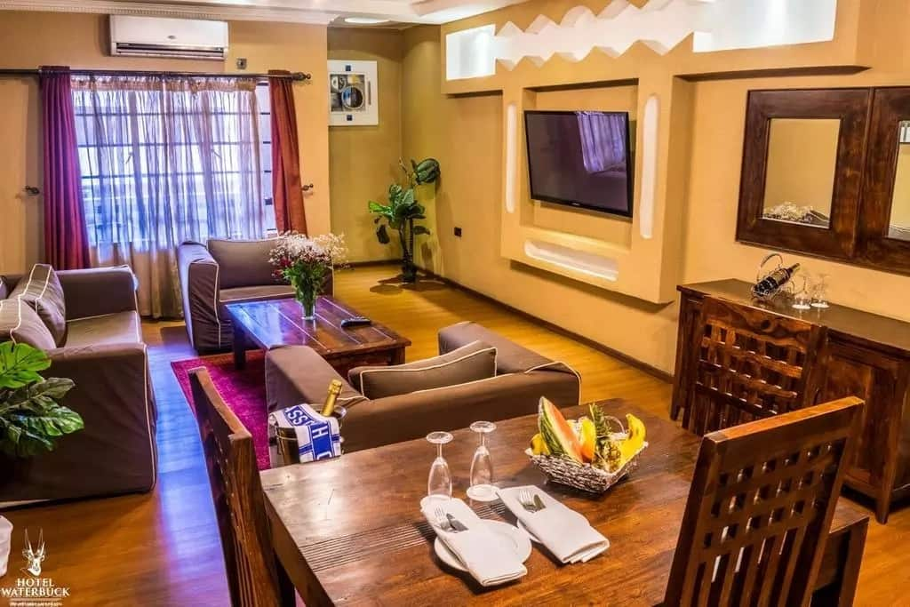 Top 7 Best Hotels in Nakuru - Hotel Waterbuck