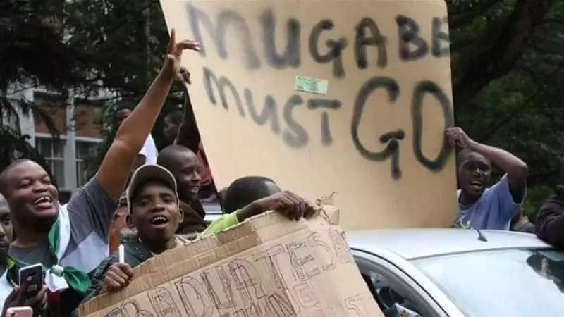 Chama tawala cha ZANU-PF chawataka wabunge kuamng'atua Mugambe uongozini
