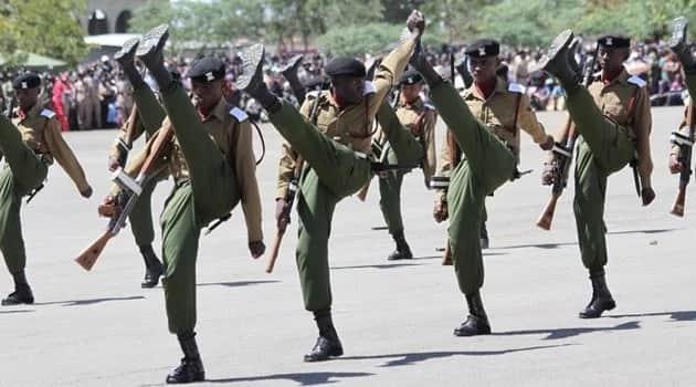 Maafisa wa polisi wajaa woga, serikali ikipanga kupunguza mishahara yao siku chache baada ya serikali kujidai kuwa 'maskini'