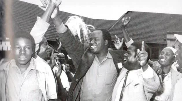 Picha ya dadake Mwai Kibaki katika hali ya umaskini yazua mjada mkali