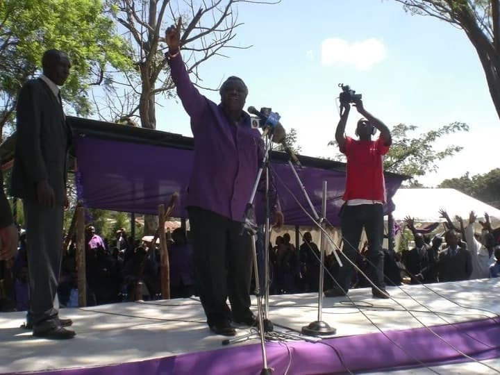COTU boss Francis Atwoli vows to replace his wife if she fails to show up at Rhumba night