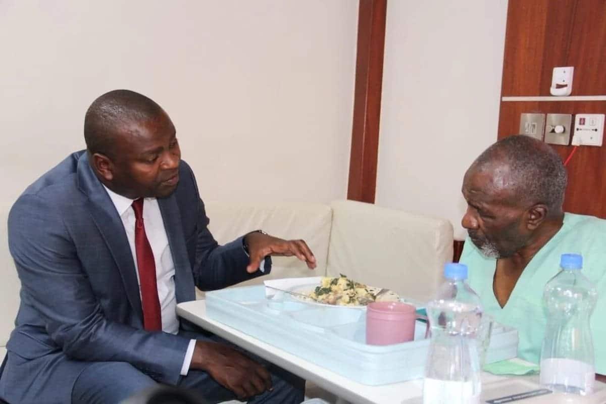 Uhuru clears hospital bill for Kikuyu legendary musician who has been ailing at MP Shah hospital