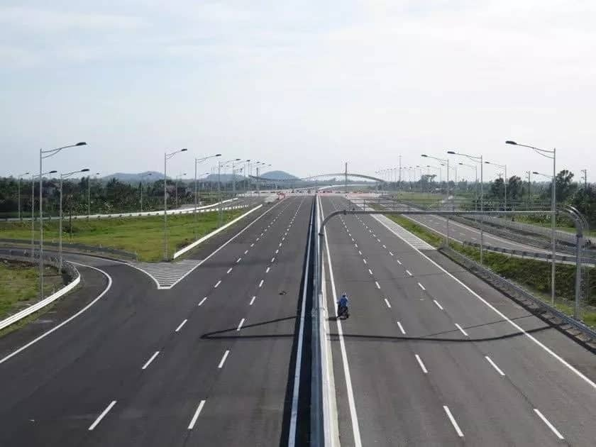 Exciting details of the Nairobi-Mombasa superhighway Uhuru and Trump approved