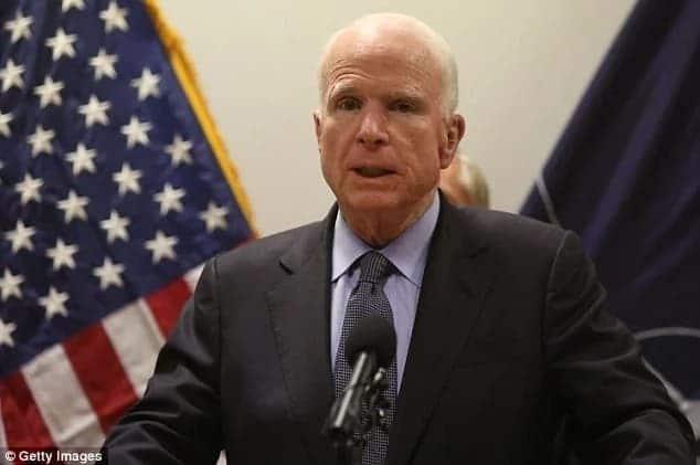 Seneta McCain alisema Trump asihudhurie mazishi yake - Familia