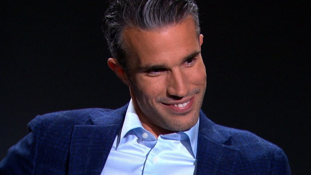 Robin Van Persie aims dig at former club Arsenal as he explains infamous move to Man United