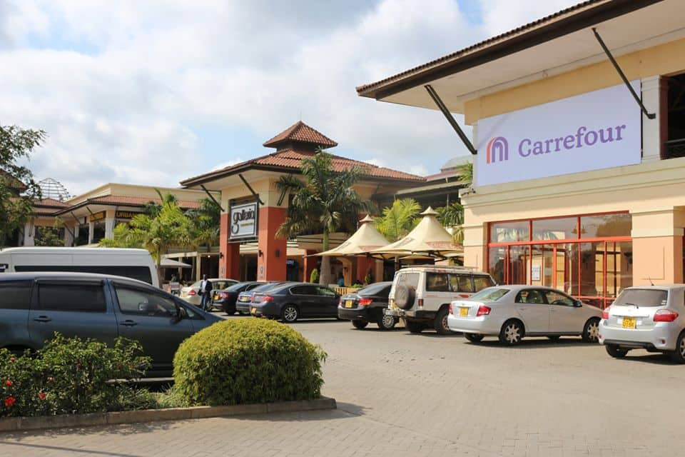 How many carrefours are there in Kenya?