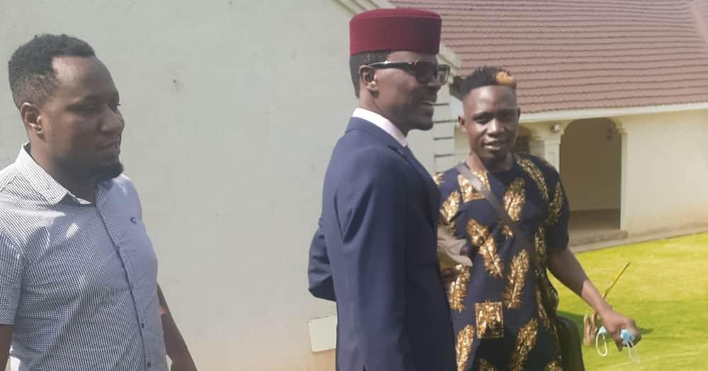 Mbunge wa Kimilili Didmus Baraza Amuumbua Hadharani Msanii Steve Kay