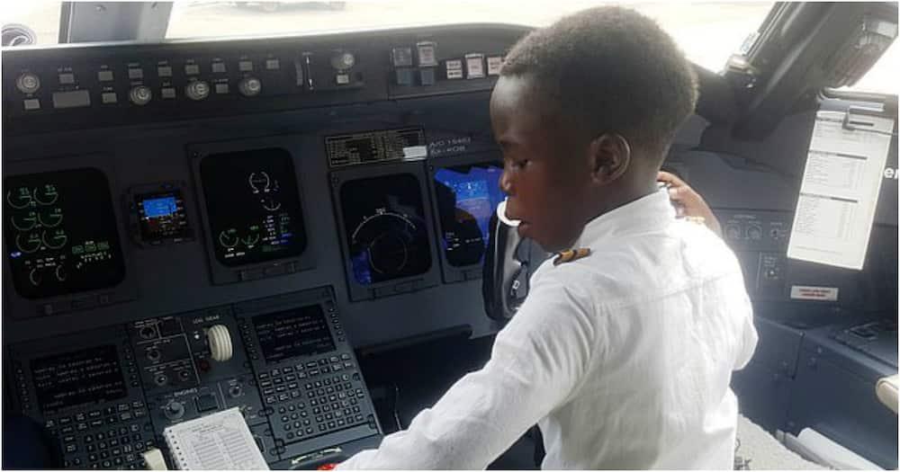 Graham Shema: Boy (7), Spitzname Captain, wird in Uganda für seine Luftfahrtfähigkeiten berühmt