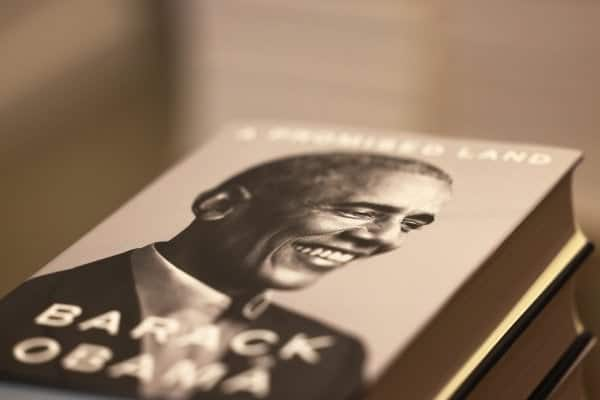 Barack Obama sells nearly 890,000 copies of memoir on first day of release