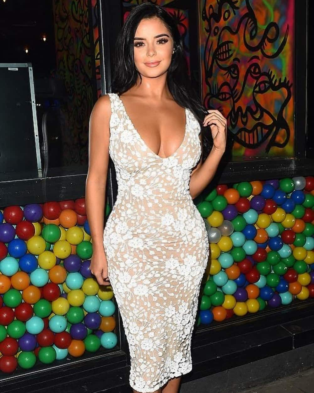 Demi Rose Mawby's height