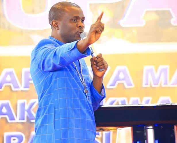20 dead, scores injured during church service while scrambling for anointing oil