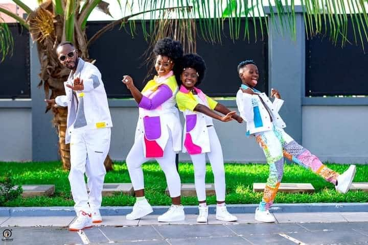 Ghanaian Musician Okyeame Kwame says kids will always love mums more than dads