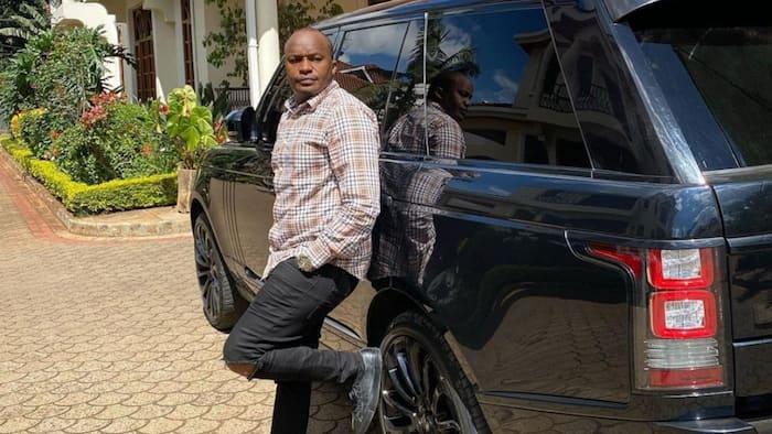 Mbunge Jaguar aanika mandhari ya kupendeza ya kasri yake na magari ya kifahari