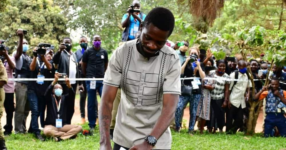 """Uganda Decides: Bobi Wine assures supporters of victory after casting his vote: """"We will win"""""""