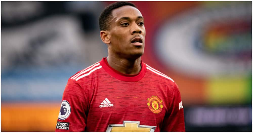 Photo of 6 Man City players tracking down Anthony Martial during Manchester Derby goes viral