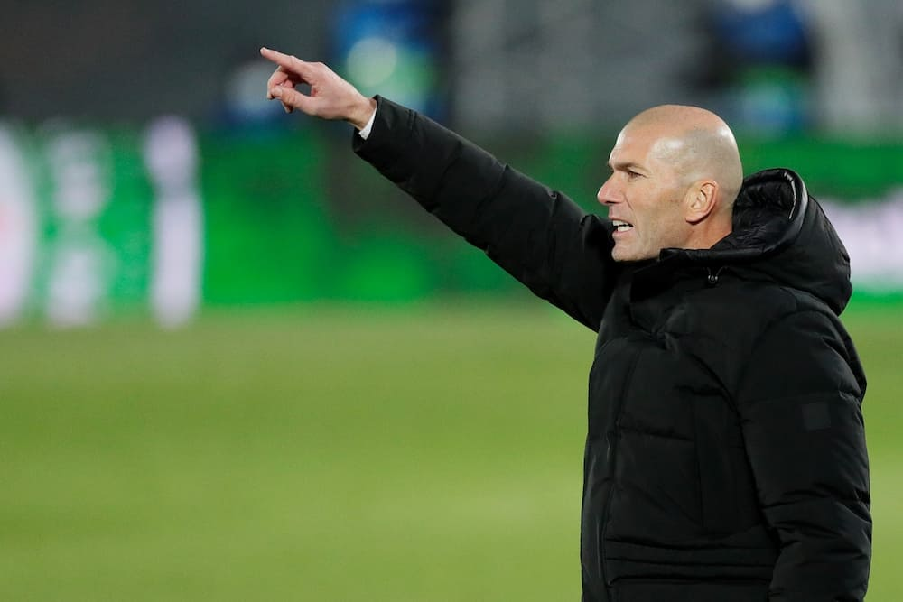 Zinedine Zidane says he won't be Real Madrid's Alex Ferguson