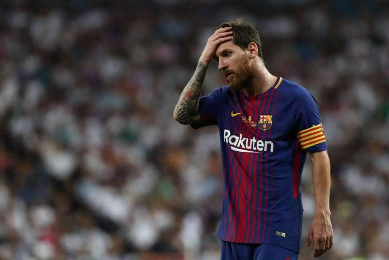 """Lionel sensationally claims he is """"tired of being the problem at Barcelona"""""""