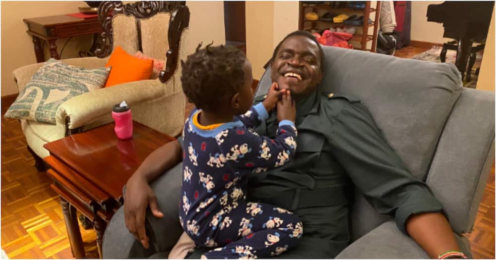 Nelson Havi enjoys daddy-daughter moment with his baby