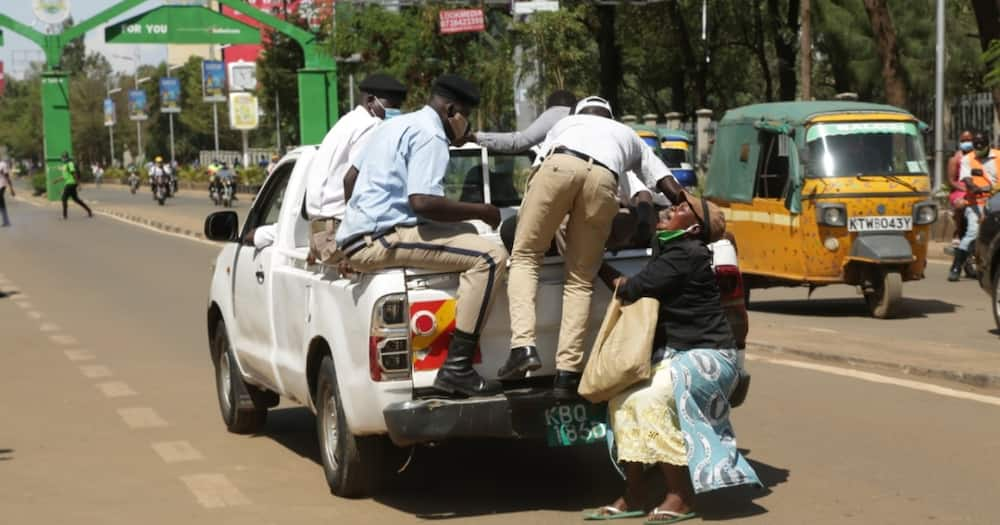 Senator Mutula Tells Nyong'o to Take More Action after Suspending Askaris who Dragged Woman on Road