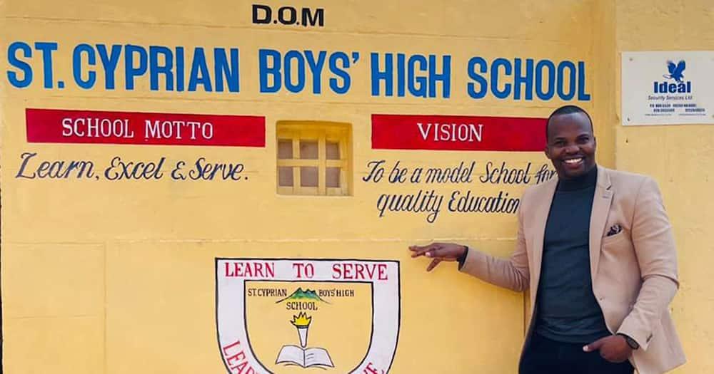 MC Jessy at his former high school.