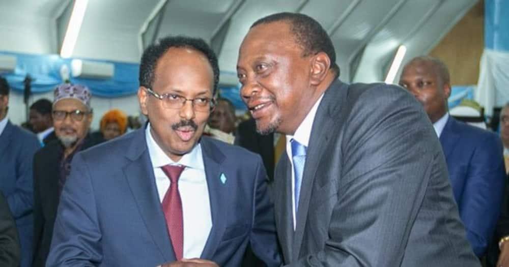 Somalia President Mohamed Farmajo (l) and President Uhuru Kenyatta in a past meeting. Photo: SomaliDaily.