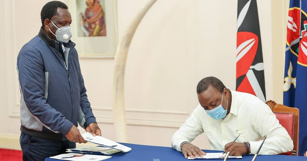Uhuru Kenyatta signs to law bill allowing gov't to snoop into mobile phone