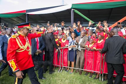 Uhuru's bodyguard spotted with tactical fake hand during Jamhuri Day celebrations