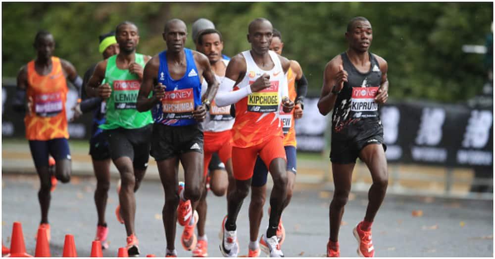 Eliud Kipchoge avunja kimya baada ya kuvuliwa taji la London Marathon