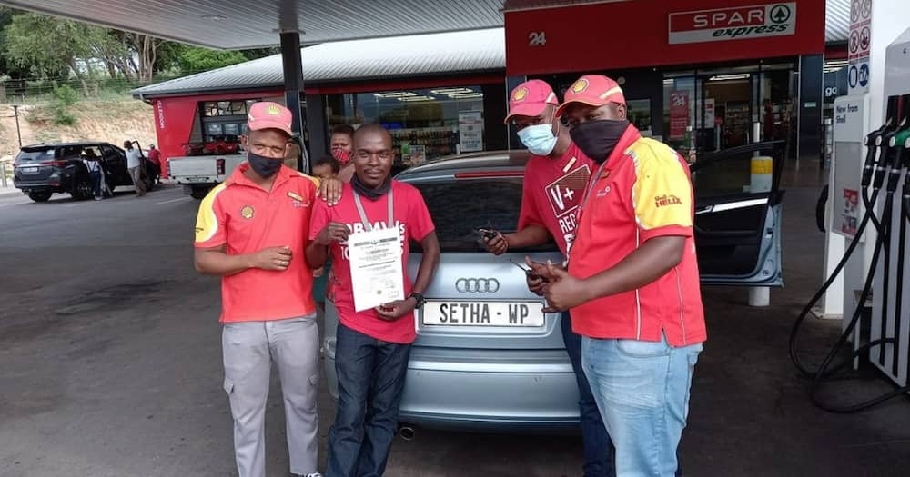 Kind petrol attendants go above and beyond to help grateful customer
