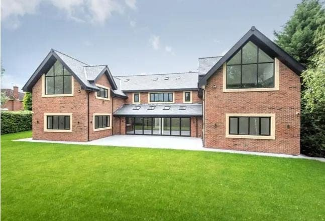 Manchester United Star Puts Incredible £3.5 Million House Up For Sale