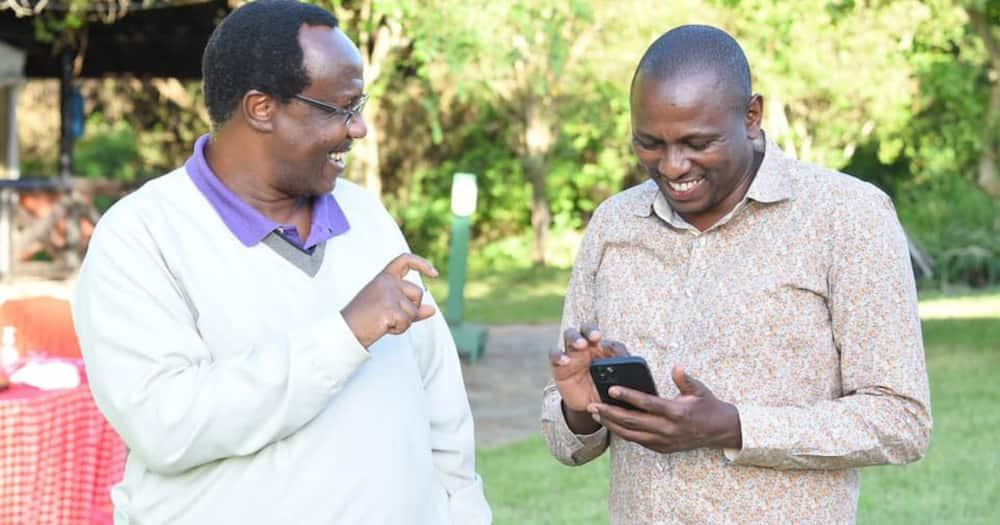 DP Ruto Akaidi Ushauri wa Rais Uhuru, Aingia Kwake Bila Kubisha