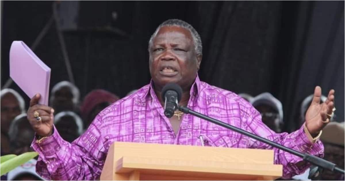 COTU boss Francis Atwoli breaks into prayer against wanton corruption in Kenya