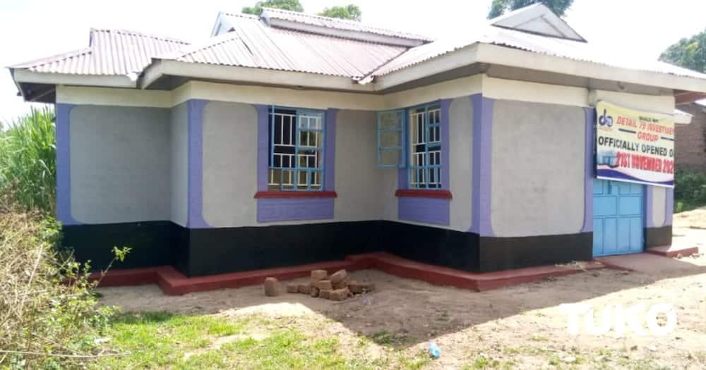 Des policiers construisent une maison pour une collègue paralysée et abandonnée par son mari