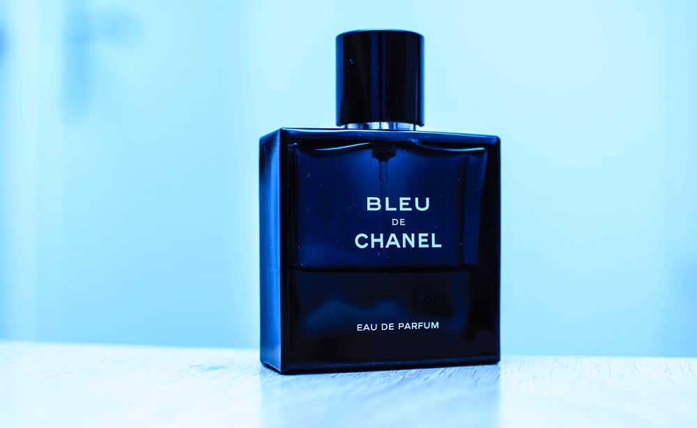 What are the best perfumes for men that last long?