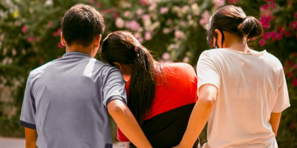 Limit Your Promiscuity, Netizen Warns that Having Too Many Girlfriends Is Expensive