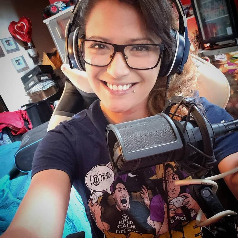 Female Twitch streamers