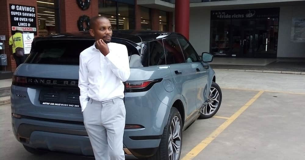 Doctor flexes with luxury whip: Gets teased over shady parking skills