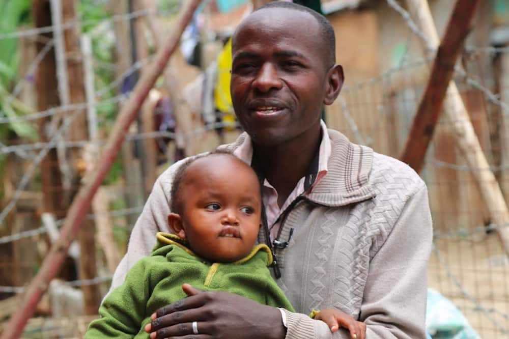 New study links older fathers to increased birth risks among women